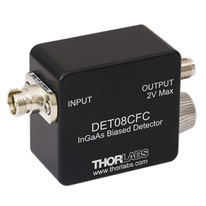 DET08CFC - 5 GHz InGaAs FC/PC-Coupled Photodetector, 800 - 1700 nm, 8-32 Tap