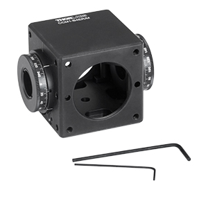 CCM1-B4ER/M - Clamping 4-Port Prism/Mirror 30 mm Cage Cube, 2 Rotation Mounts @ 180°, M4 Tap